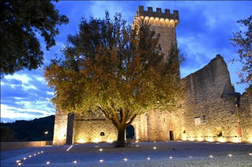 Castelnuovo Magra (SP)_Palazzo dei Vescovi di Luni_serale_foto del Comune