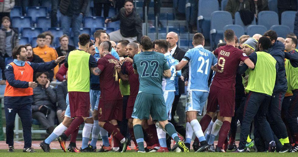 Var: Lazio-Roma, rigore ed espulsioni. Banti sarebbe stato aiutato