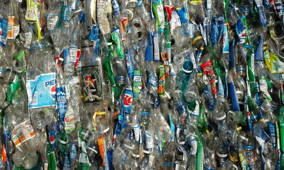 Plastica-apertura