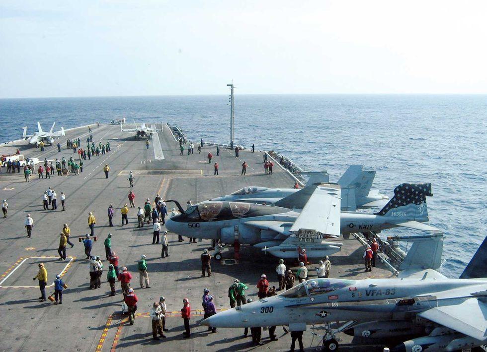Golfo-Persico-nave-guerra