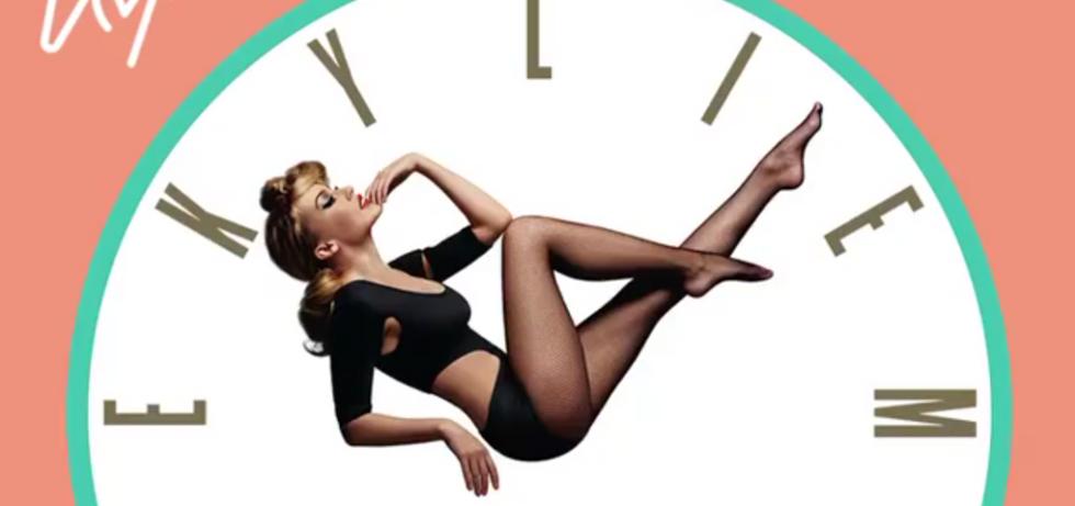 """Kylie Minogue celebra 30 anni di successi in """"Step Back In Time"""""""