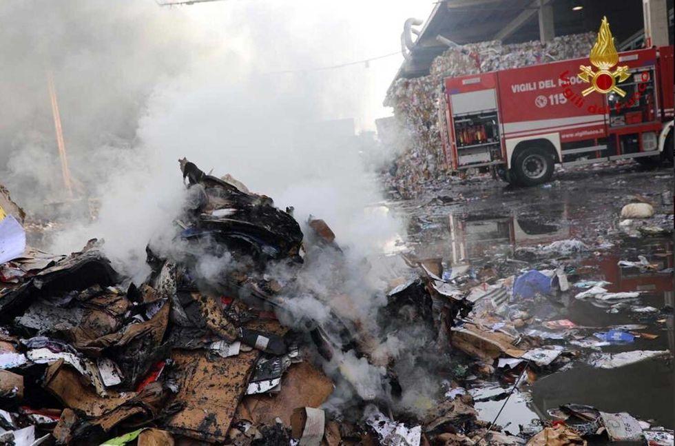 Incendio-rifiuti-Novate-Milanese