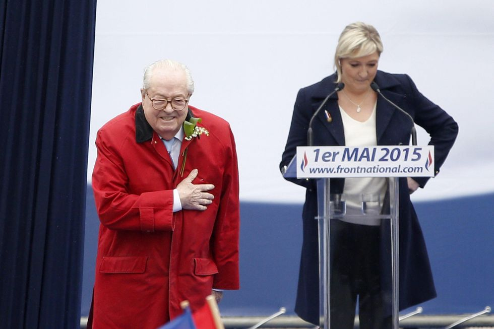 Faida Le Pen: Jean Marie ripudia Marine