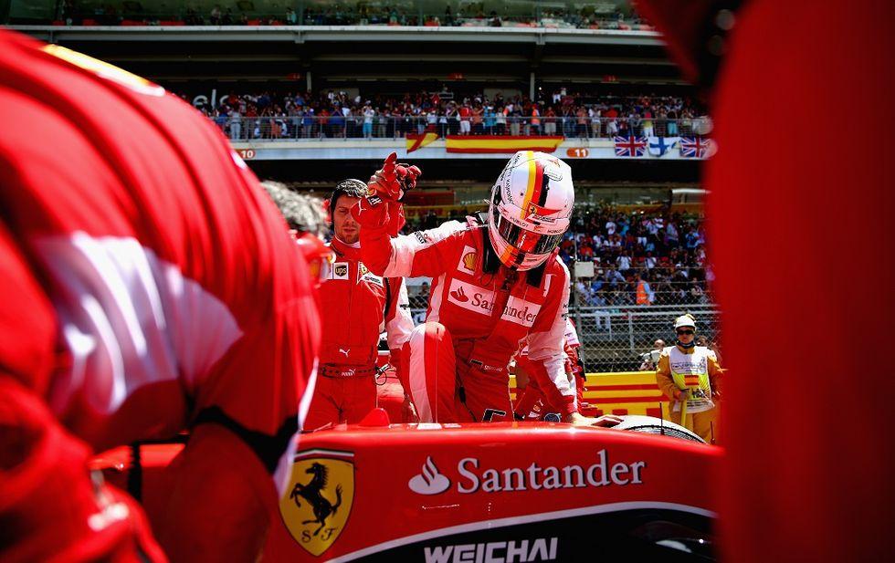 Gp Spagna: la Mercedes allunga sulla Ferrari, ma guai a parlare di crisi