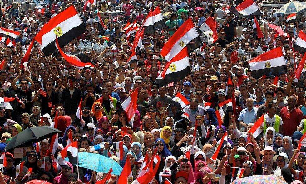 EGITTO: MORSI RESPINGE ULTIMATUM MA E' SEMPRE PIU' SOLO