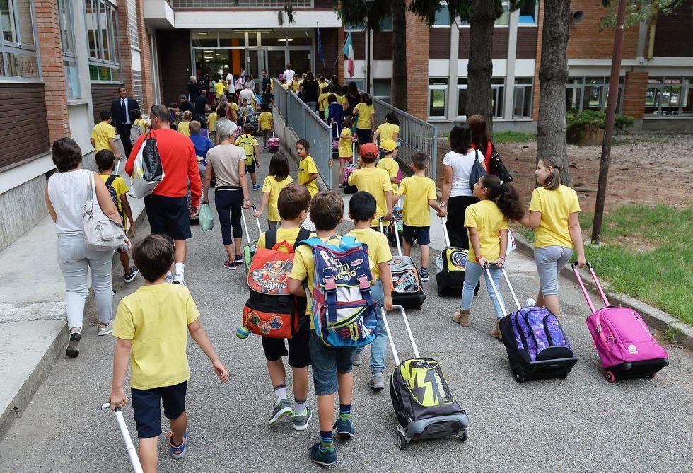 Scuola al via per quasi 8 milioni di studenti