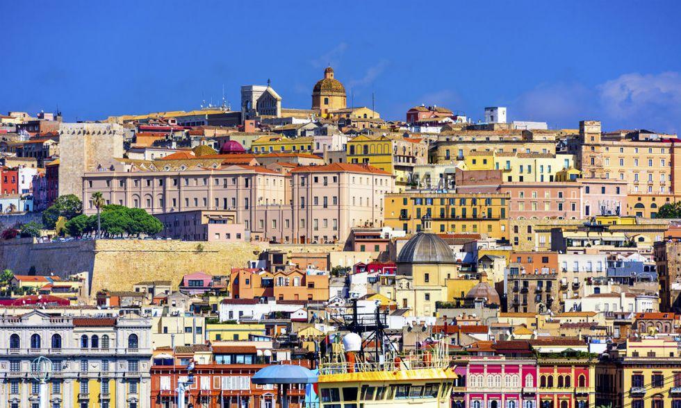 Cagliari-apertura