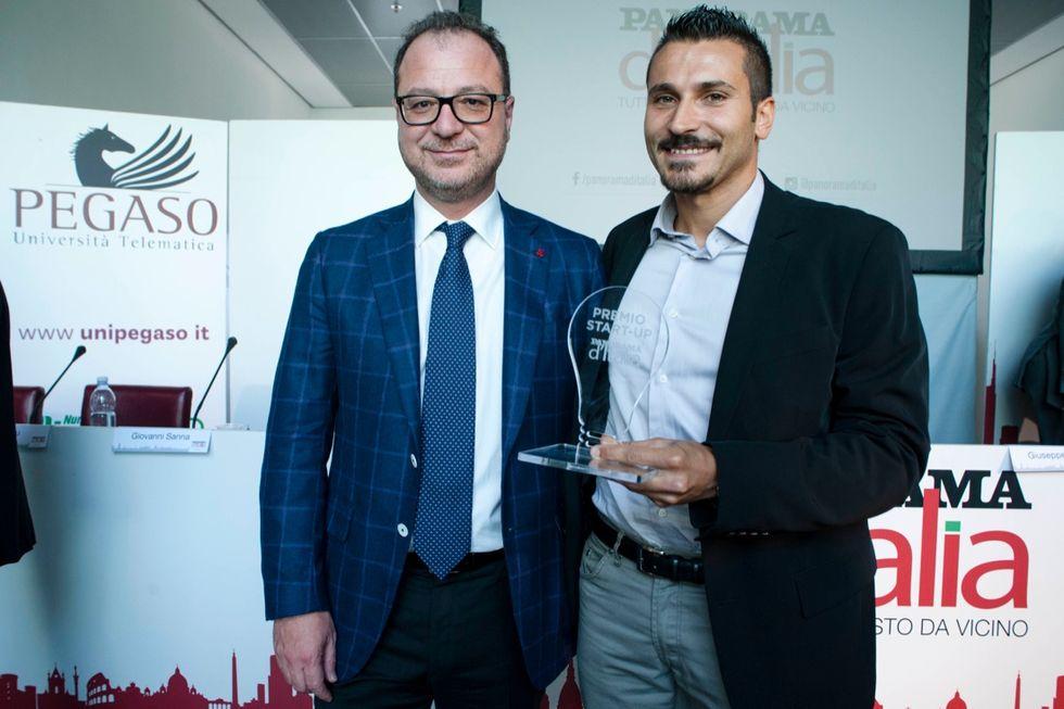Un premio alla start up di Cagliari che illumina le città camminando