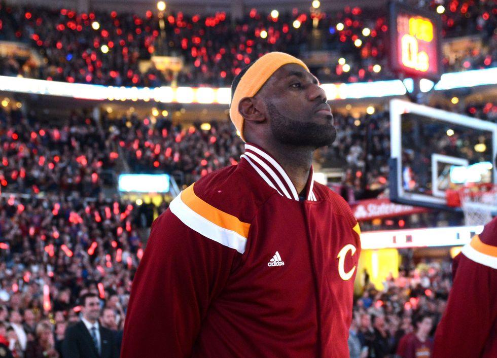 LeBron James (e gli altri Nba) 'in piedi' contro il razzismo negli Usa