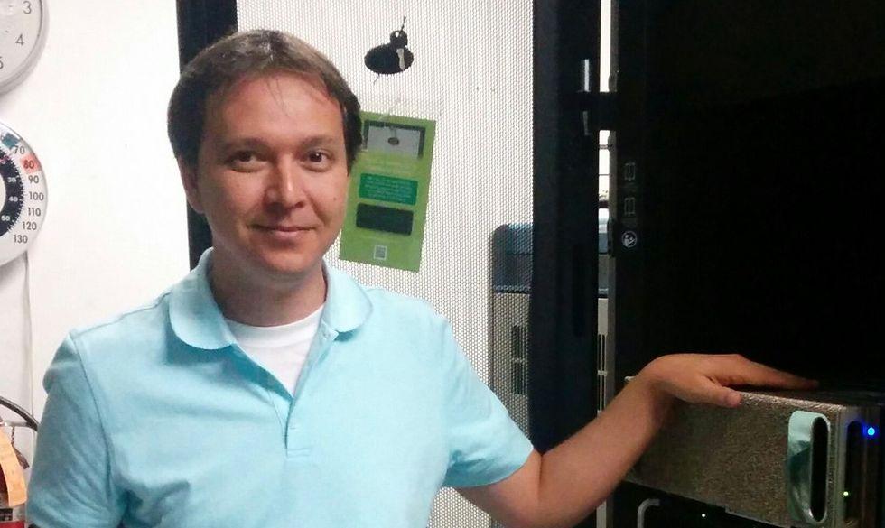 Chi è Russ Salakhutdinov, l'uomo che cambierà volto (e testa) ad Apple