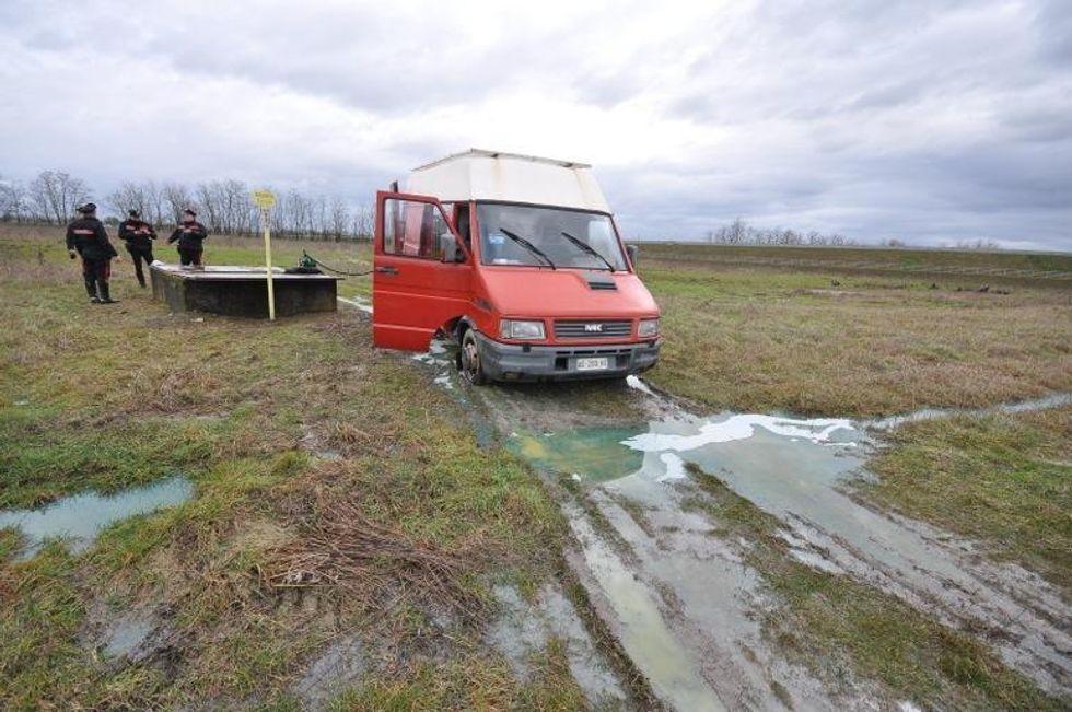 Ladri forano oleodotto e fuggono. Disastro ambientale a Piacenza