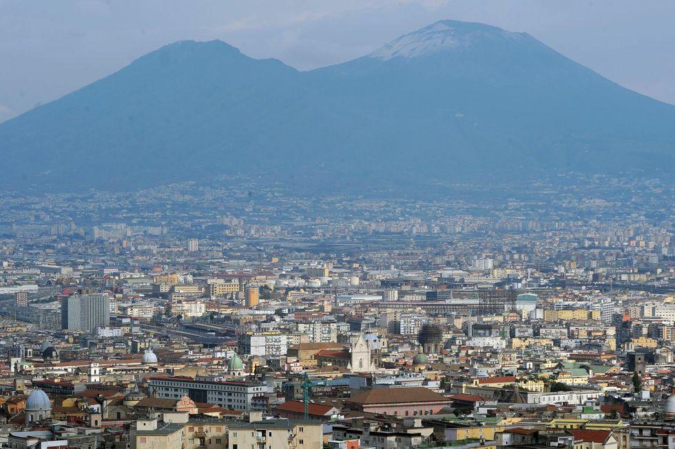 Terremoto, adesso la Campania ha paura dei vulcani