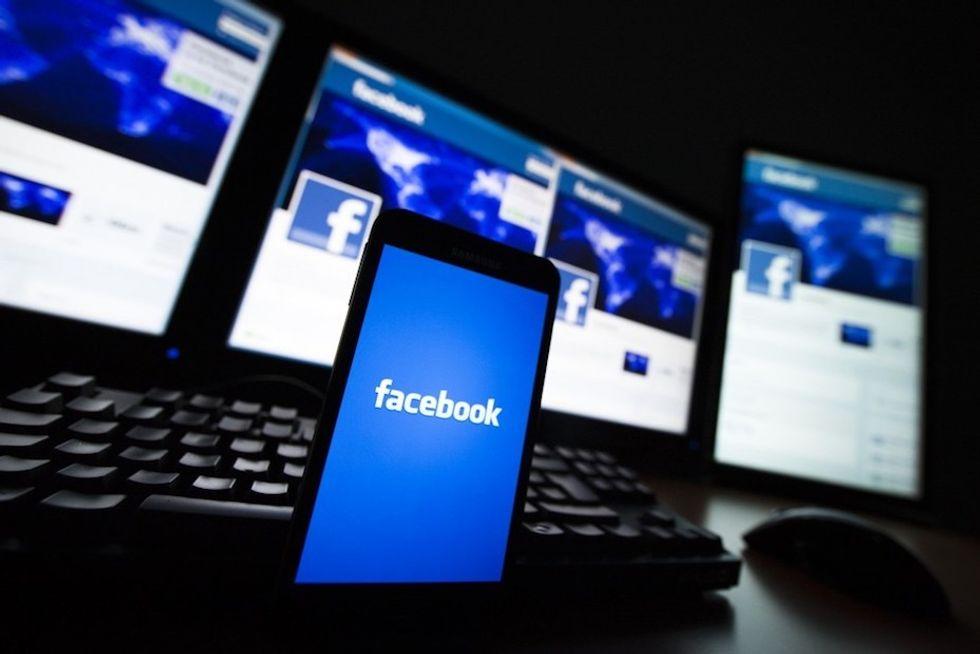 Facebook: pagheremo per leggere le notizie