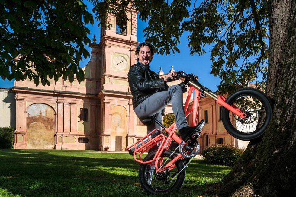La e-bike Ekletta pedala all'estero