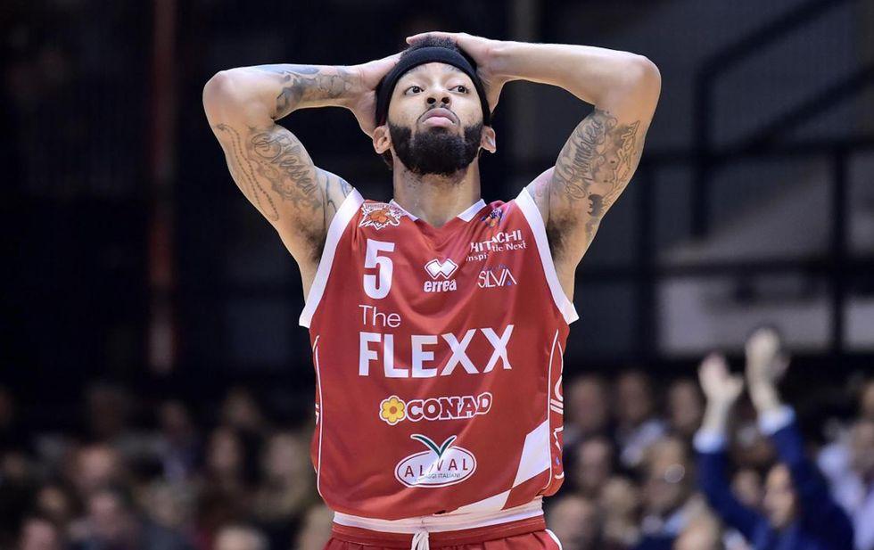 Basket: con 43 punti Petteway nella storia di Pistoia, EA7 Milano sempre imbattuta
