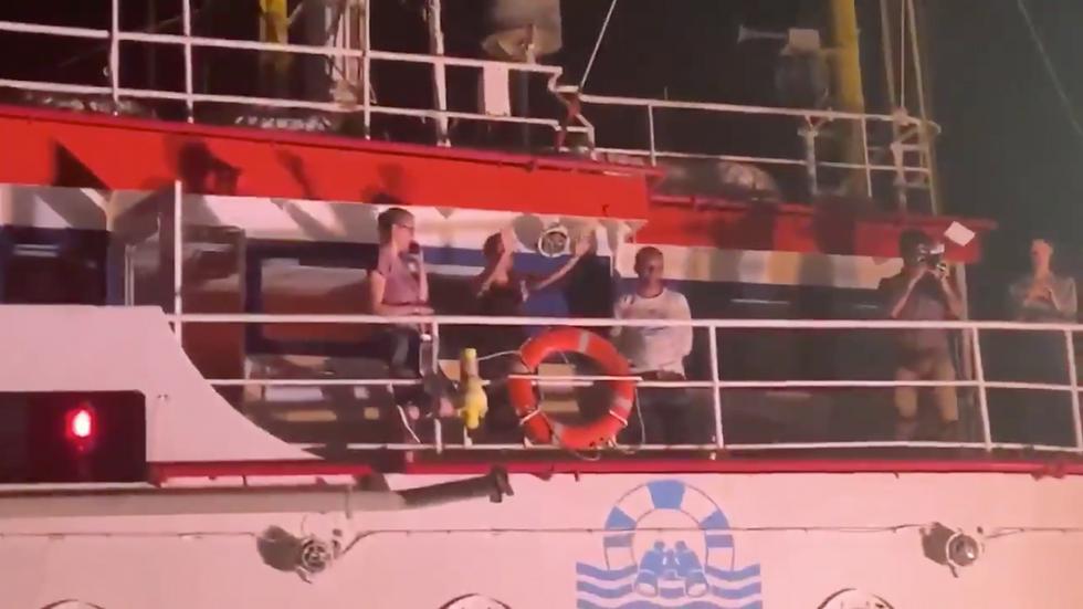 Sea Watch attraccato LAmpedusa CArola Rackete