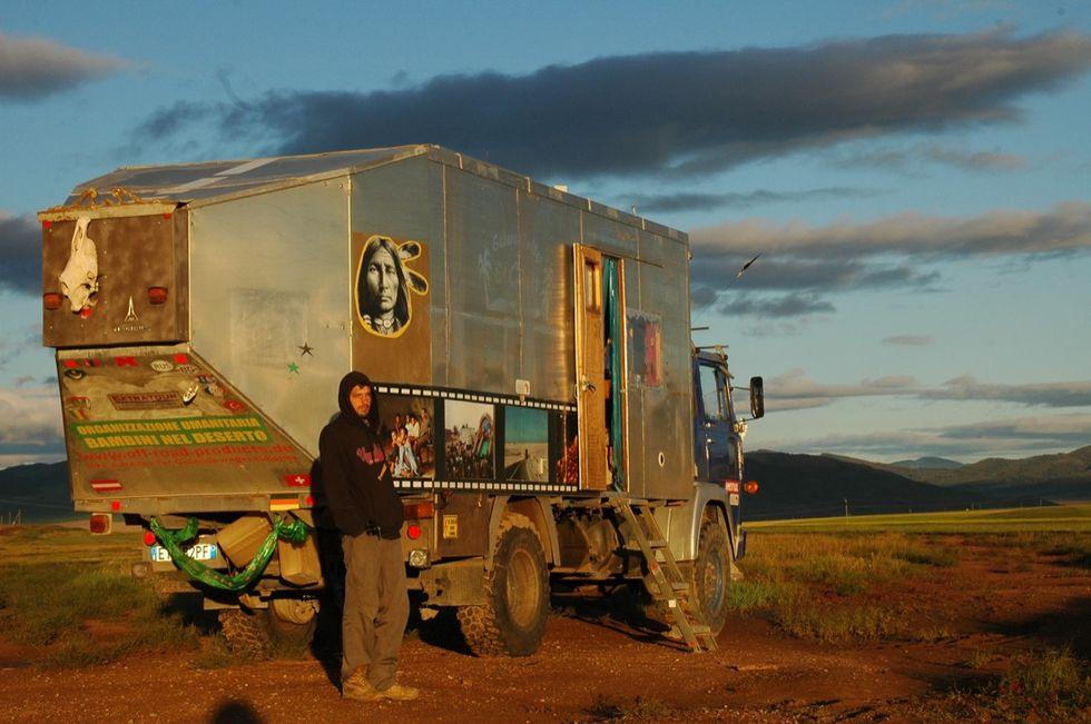 Che bello il camion che diventa cinema!