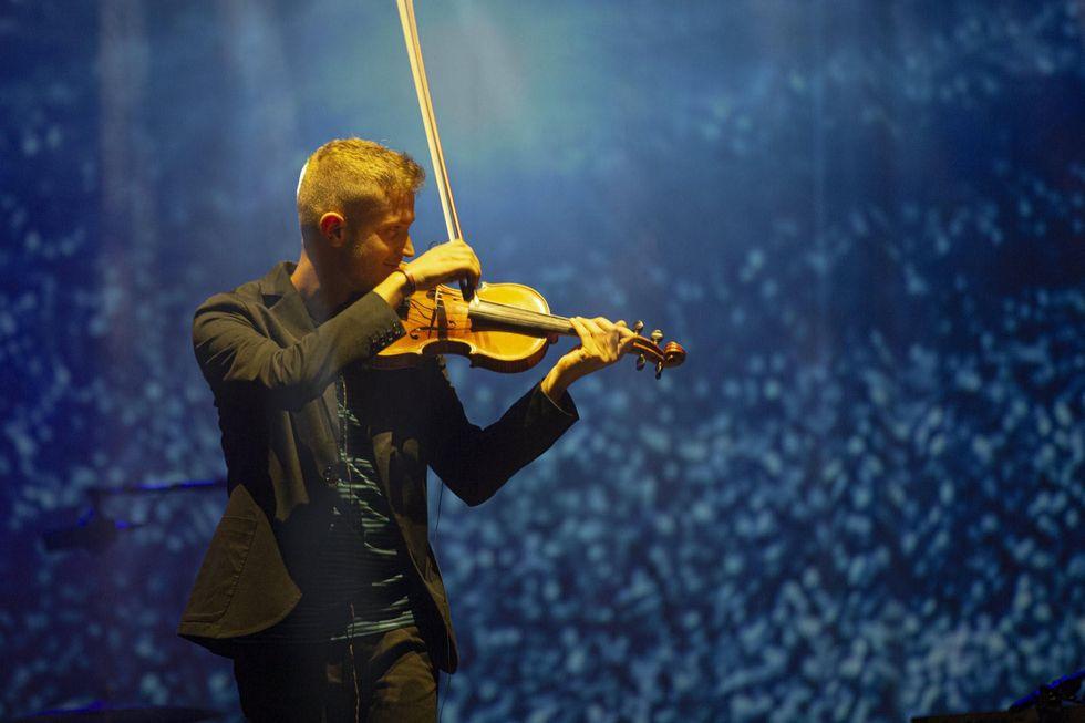 Federico Mecozzi: un violino magico nel video di Desert Dance - Anteprima