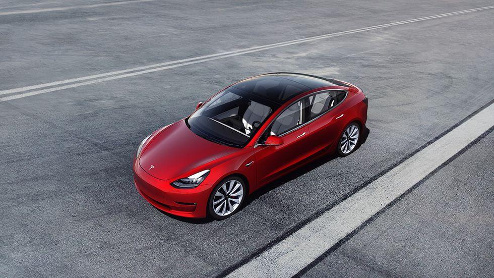 Arriva la Tesla parlante