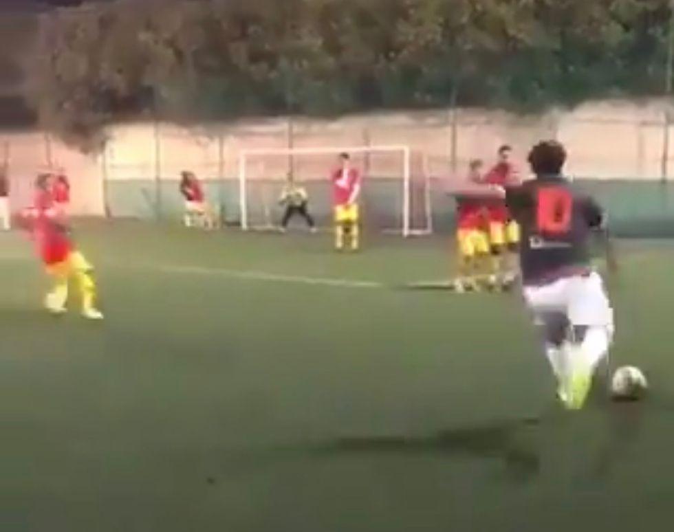 Totti, incredibile gol su punizione a calcetto I VIDEO