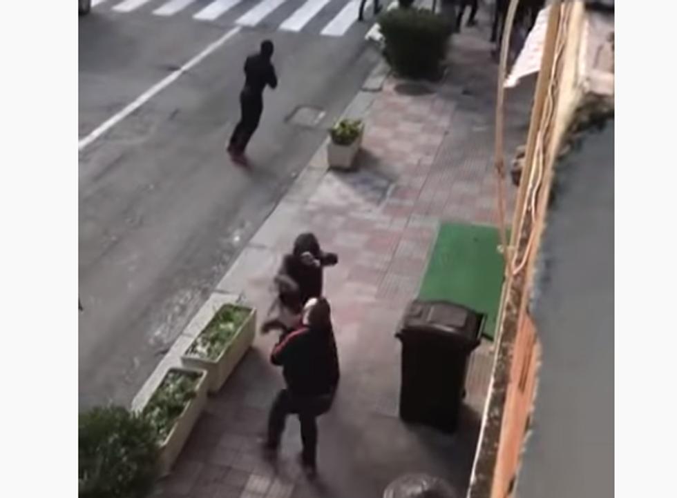 Cagliari-Lazio, scontri tra ultras per le vie del centro I VIDEO