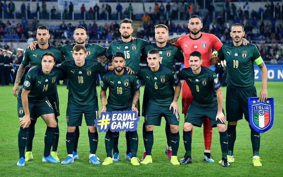 italia nazionale maglia verde immagini