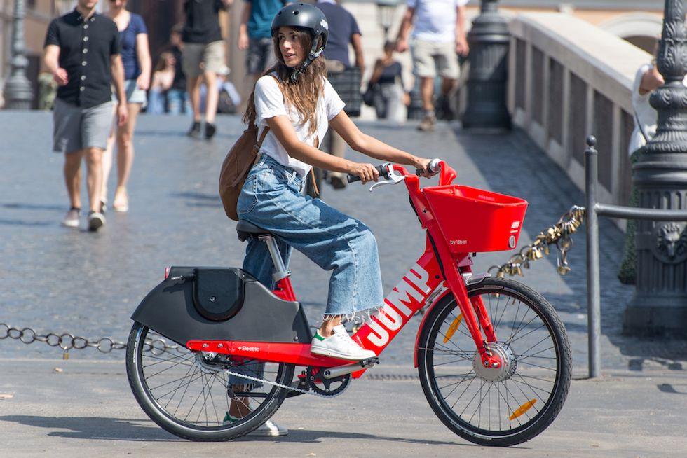 Uber debutta in Italia con Jump, il servizio di bike sharing