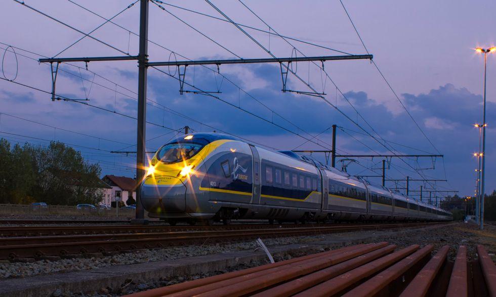 Treno-aereo-apertura