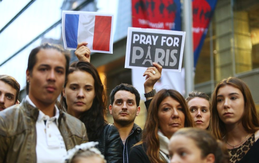 parigi-attentati-solidarietà