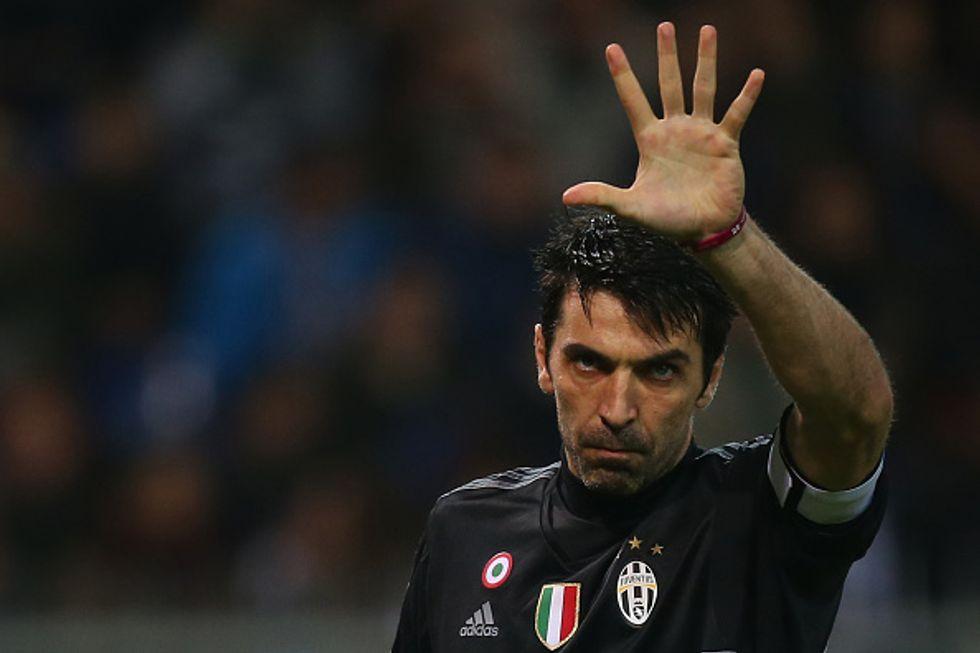 Buffon, nuovo record di imbattibilità a 973 minuti: superato Seba Rossi