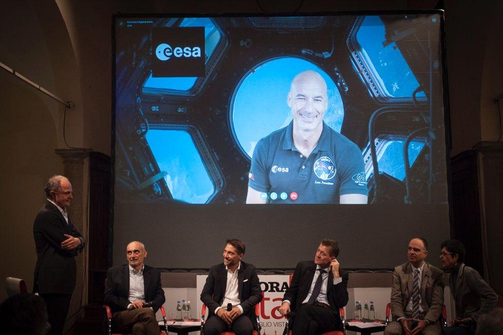 A spasso nello spazio per tornare sulla Luna pensando a Marte - FOTO e VIDEO