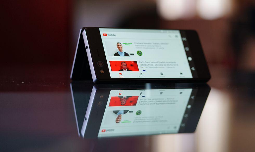 ZTE Axon M: la recensione del telefono con lo schermo doppio