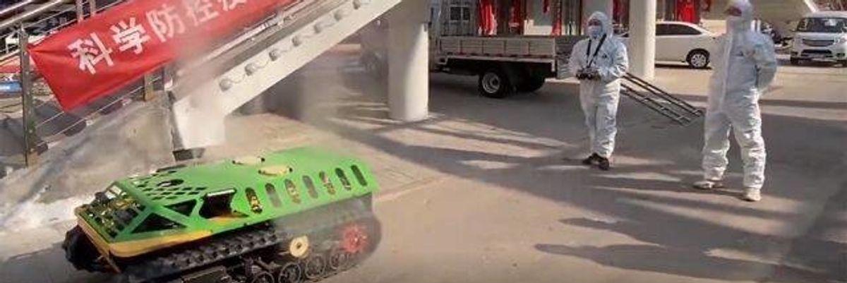 Coronavirus, la Cina usa i mini-carri armati