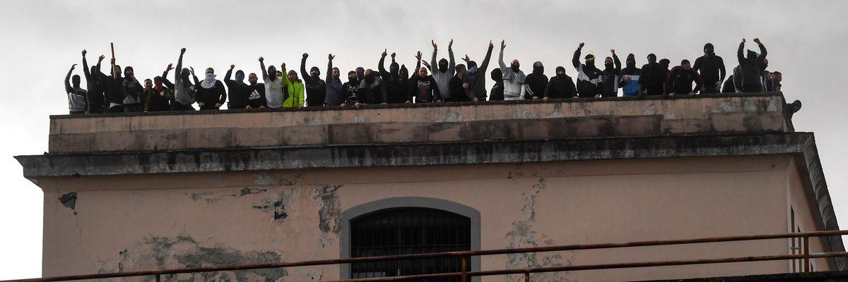 Rivolte, proteste ed evasioni nelle carceri con la scusa del Coronavirus
