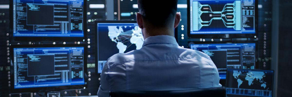 Siamo in stato di guerra cibernetica permanente