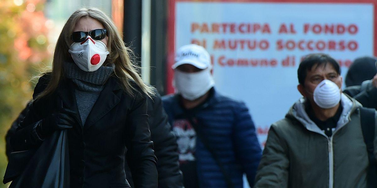 Care istituzioni, giù la maschera e su le mascherine
