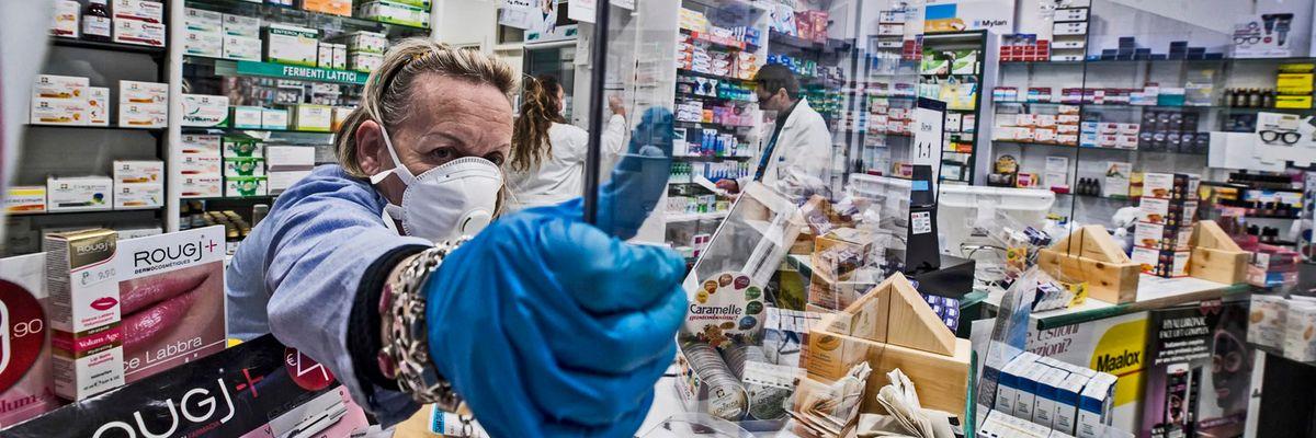 L'impegno delle aziende farmaceutiche per la fornitura dei medicinali