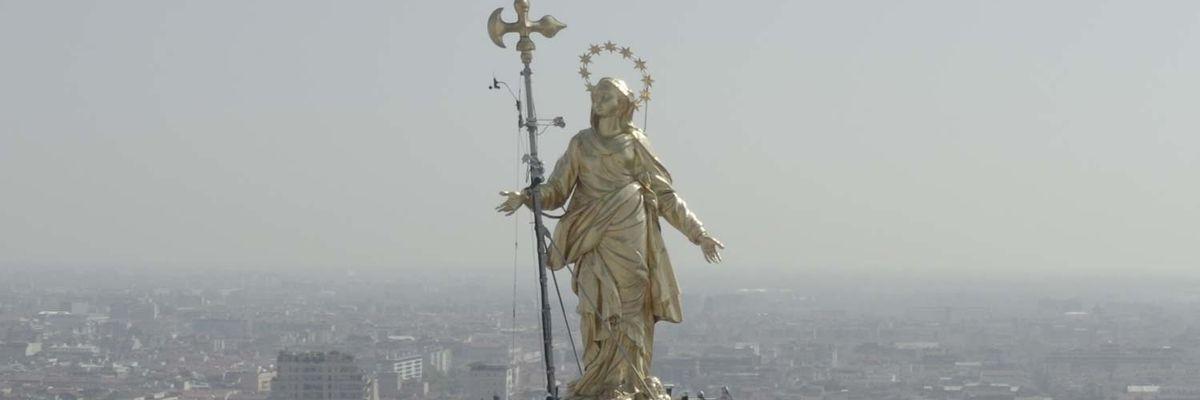 Coronavirus: la Milano del lockdown vista dall'alto e dagli occhi delle sue statue - Video