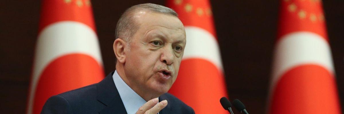 Turchia, la doppia crisi del Sultano