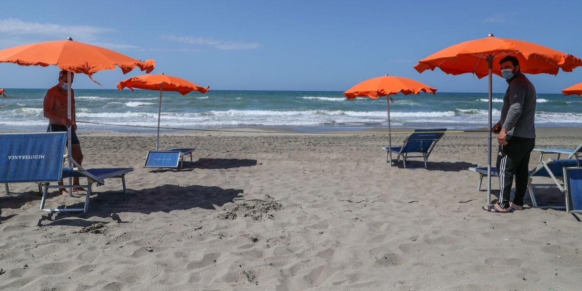 Fase 2: sulla spiaggia di Capocotta prove d'estate - Foto