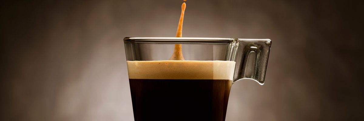 Un caffè ti salva la vita (è quasi un farmaco)
