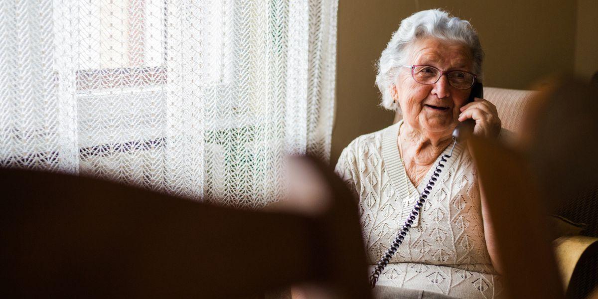 Windtre lancia un numero verde in supporto agli anziani
