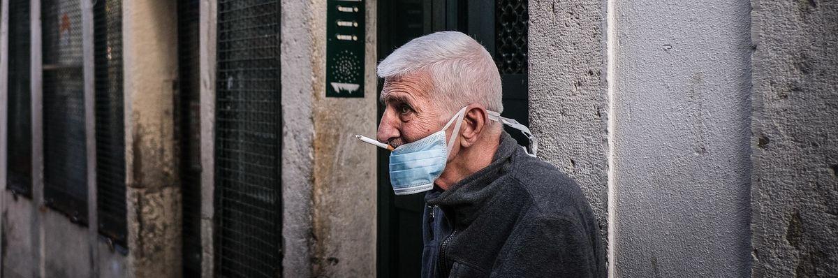 L'ultima sigaretta ai tempi del Coronavirus