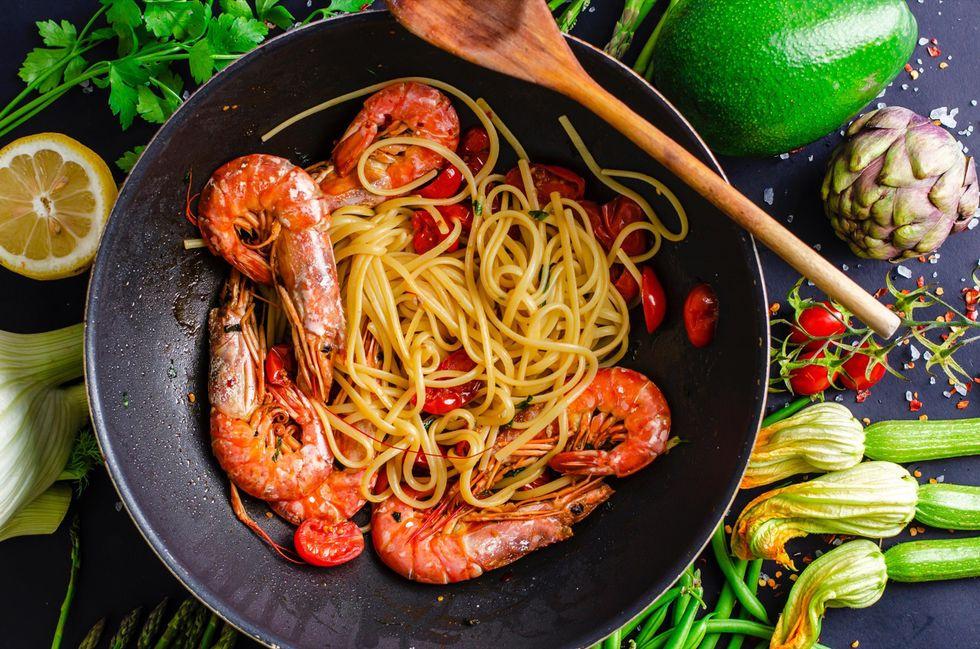 Cuciniamo insieme: Spaghetti di mare (con fiori di zucchine)