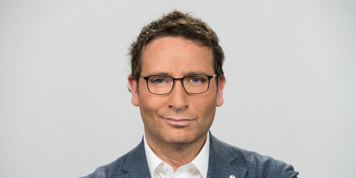 Alessio Viola: «La mia nuova sfida, la svolta pop e la pausa dal tg»