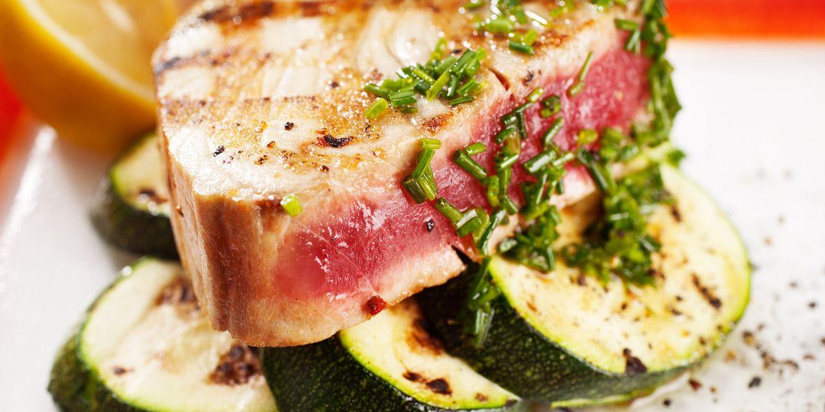 Cuciniamo insieme: tocchetti di tonno con zucchine, zafferano e menta
