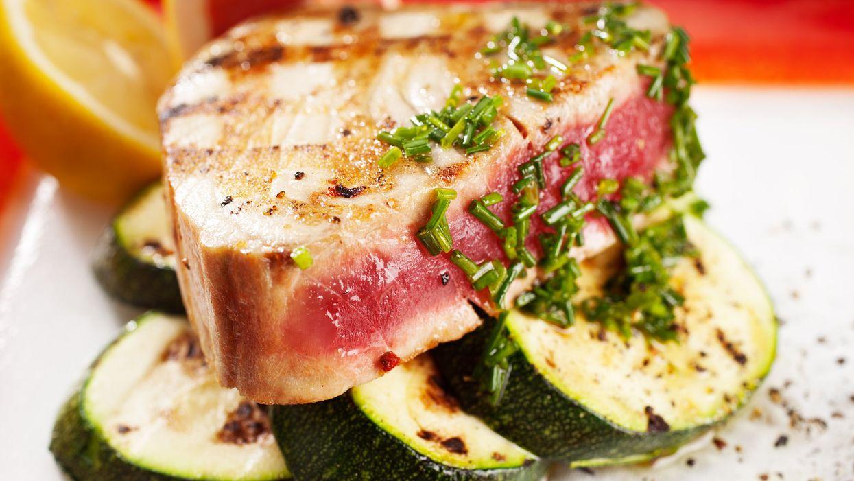 Cuciniamo insieme: tocchetti di tonno con zucchine, zafferan