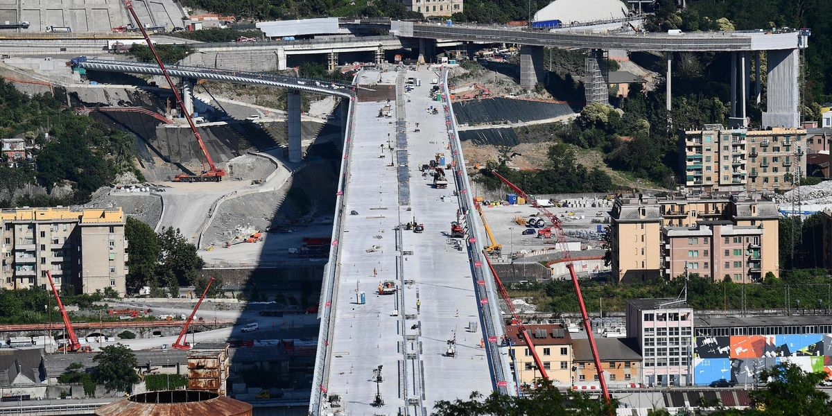 Il Ponte di Genova è il simbolo del vuoto prodotto da Conte