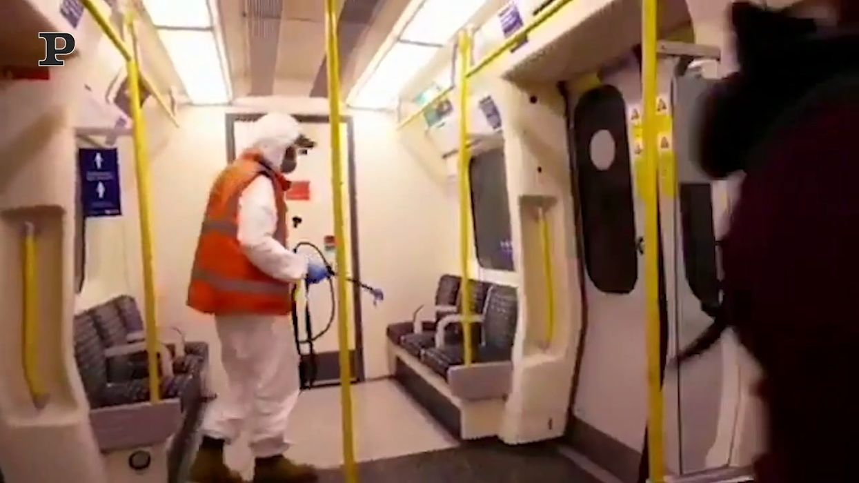 banksy-metro-londra-disegni