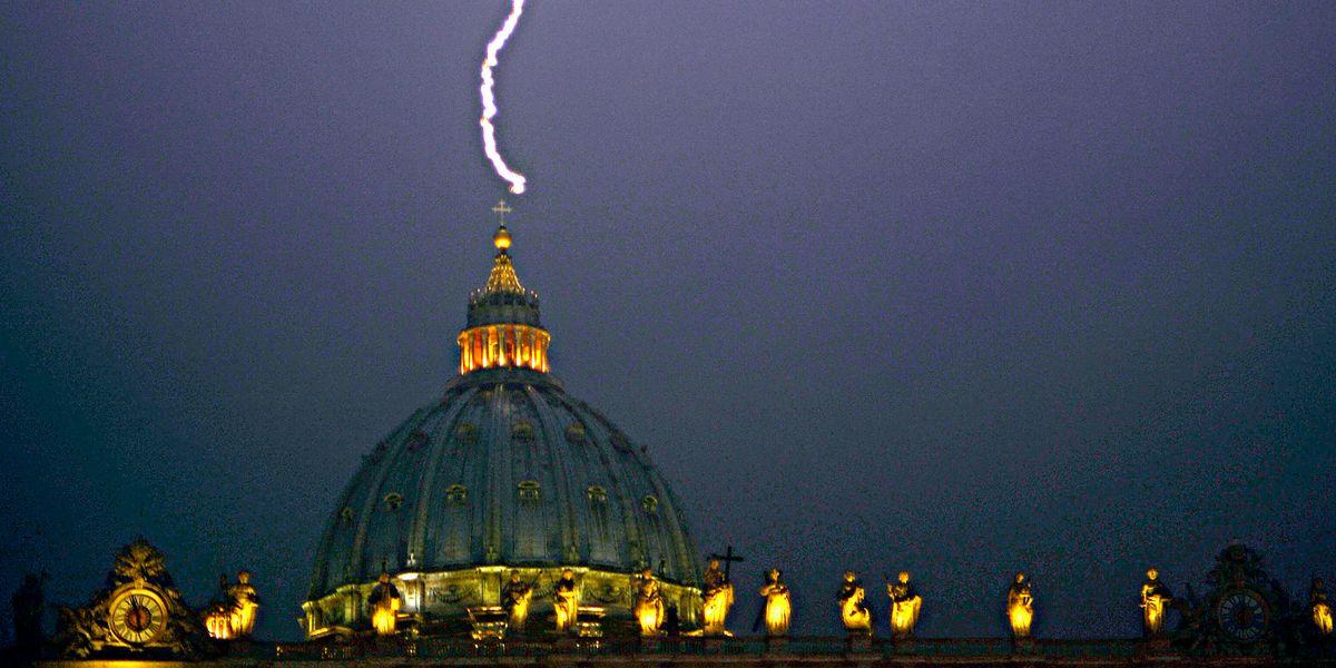 Tempesta perfetta in Vaticano
